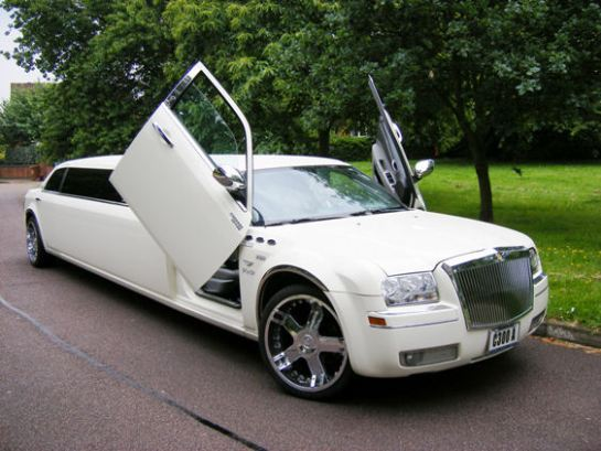 Baby Bentley 8 Seat Chrysler Limousine